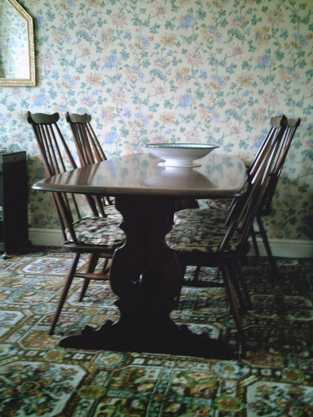 Beautiful Ercol Dining Table And Chairs