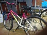 girls bike - £35