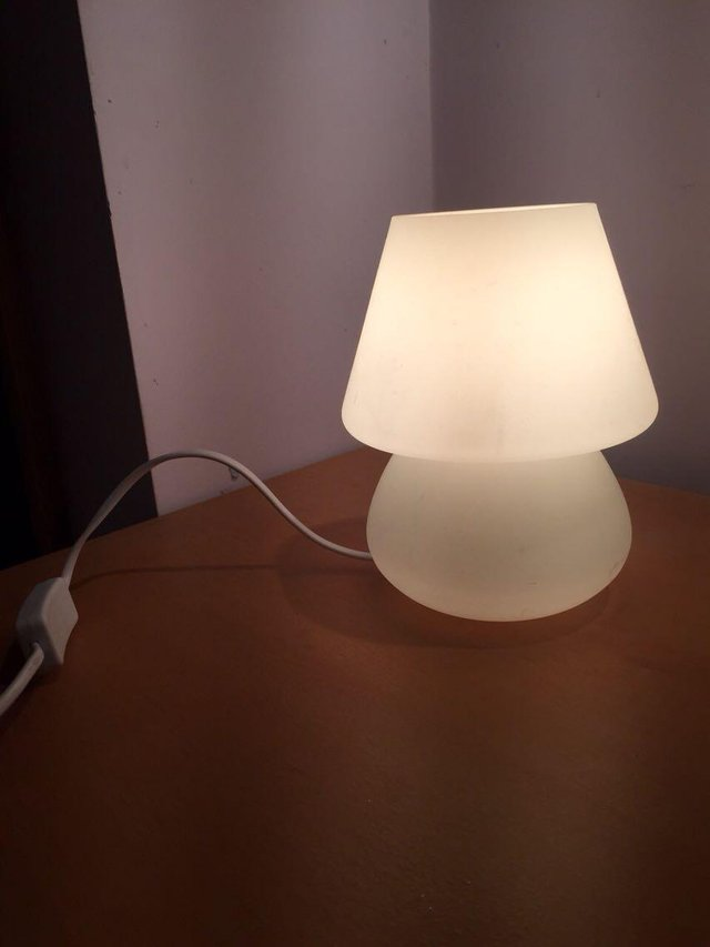 preloved small white table lamp for sale in acton london. Black Bedroom Furniture Sets. Home Design Ideas