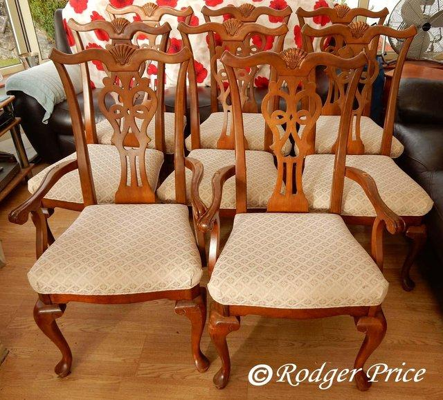 Dining Room Chairs For Sale Is Eight Large Six Normal And Two Carver Arm The Are Of Solid Construction But Require