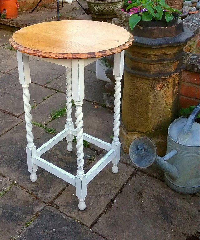 distressed oak dining table - Second Hand Household Furniture Buy