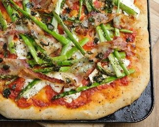 Asparagus pizza from british-asparagus.co.uk