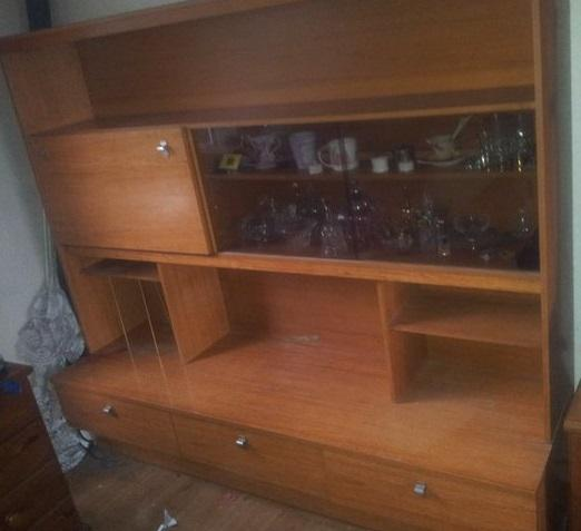 Free wall unit with drinks cabinet from Preloved