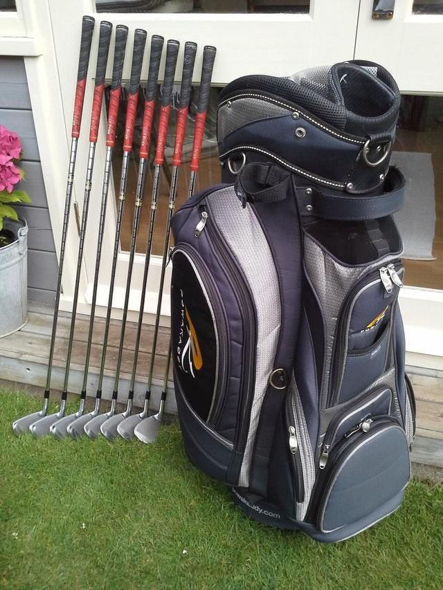 Second hand golf clubs from Preloved