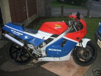 Honda vfr400 nc24