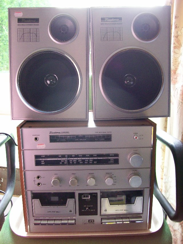Preview of the first image of Stereo Twin Cassette & tuner & speakers.