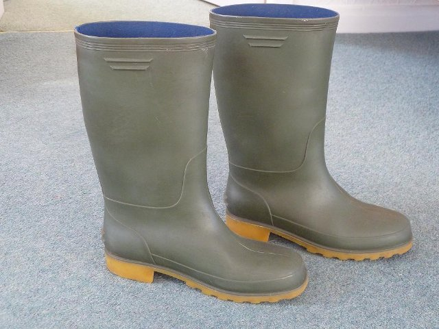 Preview of the first image of 2 prs girl's/lady's wellington boots, sizes 4 and 4.5.