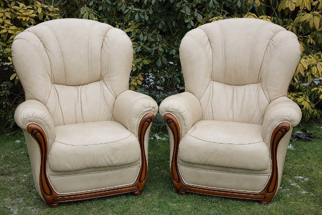 Image 12 of LEATHER BARDI CHESTERFIELD WING BACK 3 PIECE SUITE SETTEE.