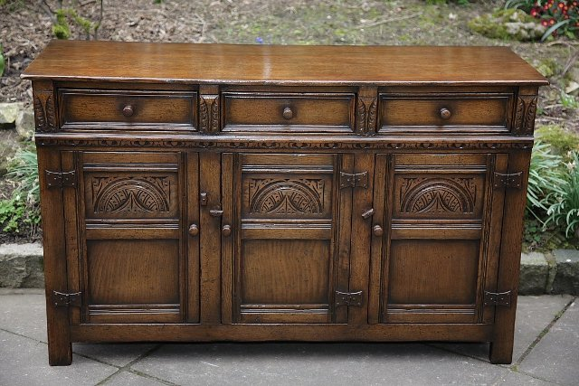 Preview of the first image of TITCHMARSH & GOODWIN SOLID OAK SIDEBOARD DRESSER BASE..