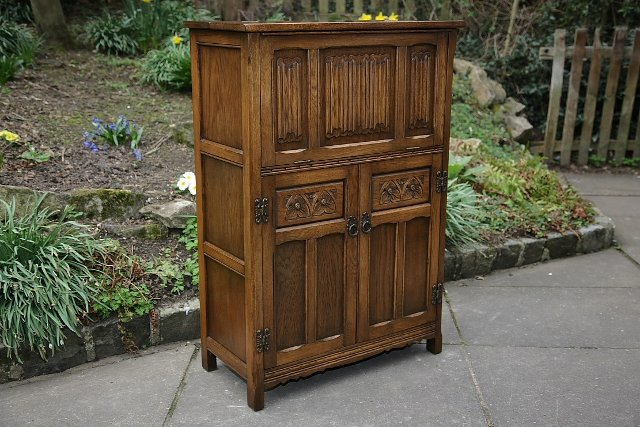 OLD CHARM WOOD BROS LIGHT OAK DRINKS COCKTAIL WINE CABINET. wood bros old charm   Second Hand Household Furniture  Buy and