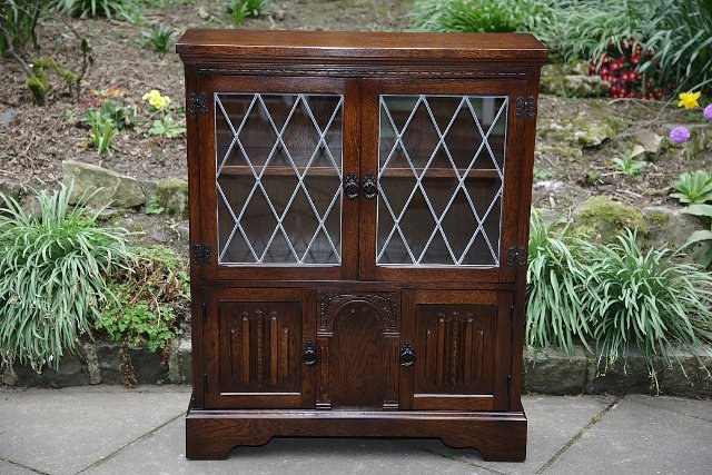 Preview of the first image of OLDE COURT CHARM BOOKCASE CUPBOARD DISPLAY CD DVD CABINET..