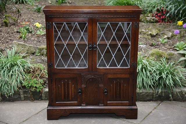 Image 14 of OLDE COURT CHARM BOOKCASE CUPBOARD DISPLAY CD DVD CABINET.