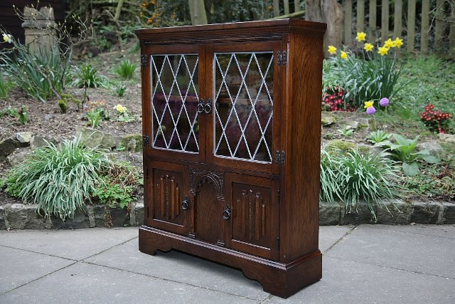 Image 15 of OLDE COURT CHARM BOOKCASE CUPBOARD DISPLAY CD DVD CABINET.