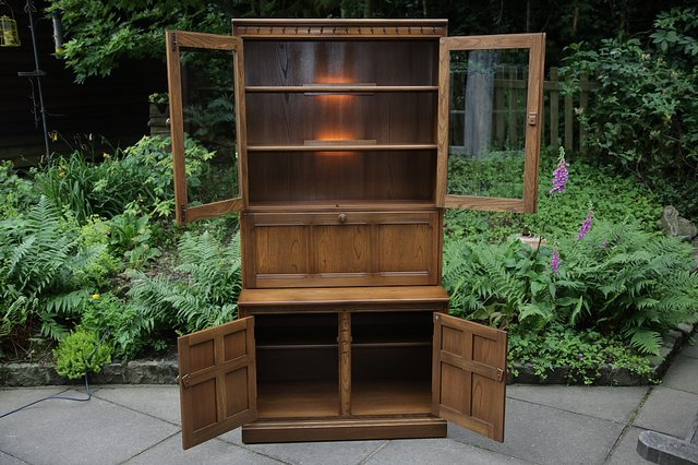 Image 3 of ERCOL GOLDEN DAWN DRINKS DISPLAY CABINET BOOKCASE CUPBOARD.