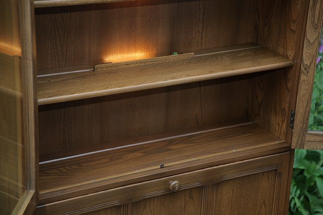 Image 7 of ERCOL GOLDEN DAWN DRINKS DISPLAY CABINET BOOKCASE CUPBOARD.