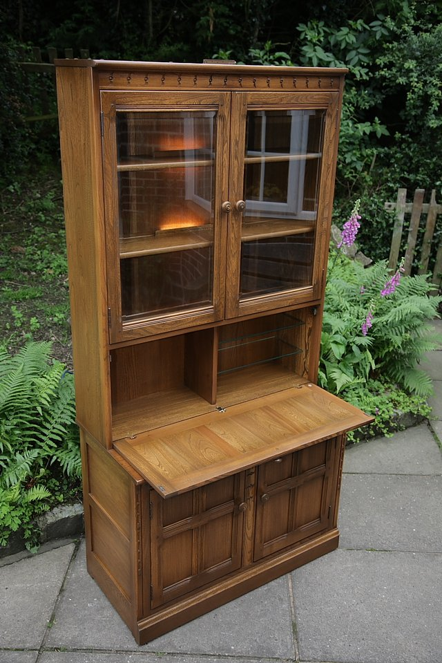 Image 12 of ERCOL GOLDEN DAWN DRINKS DISPLAY CABINET BOOKCASE CUPBOARD.