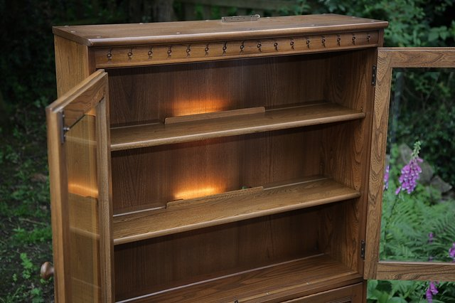Image 14 of ERCOL GOLDEN DAWN DRINKS DISPLAY CABINET BOOKCASE CUPBOARD.
