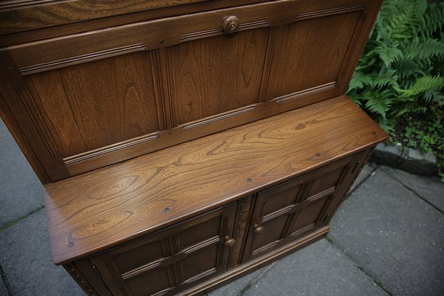 Image 26 of ERCOL GOLDEN DAWN DRINKS DISPLAY CABINET BOOKCASE CUPBOARD.