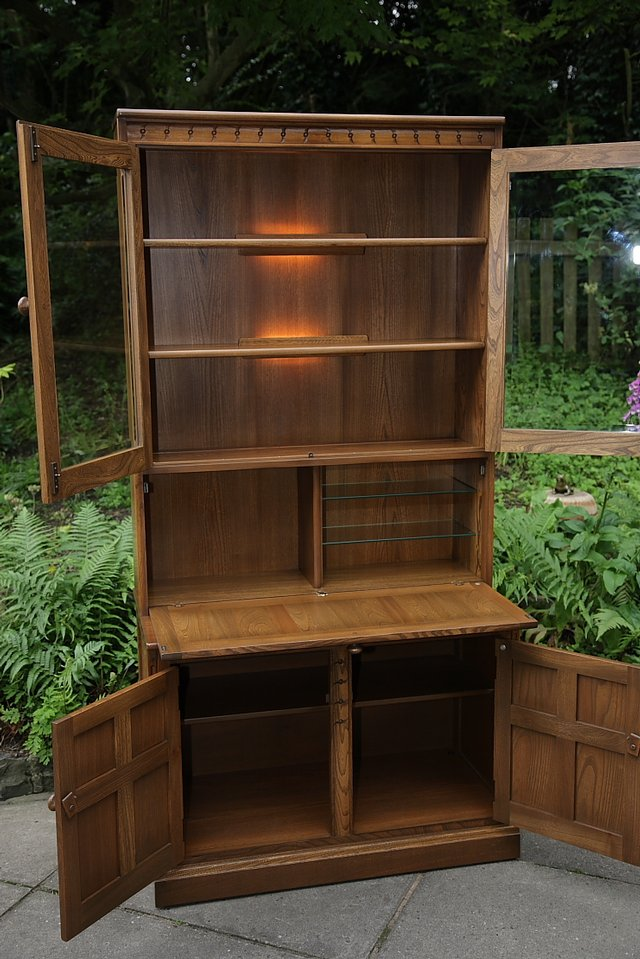Image 32 of ERCOL GOLDEN DAWN DRINKS DISPLAY CABINET BOOKCASE CUPBOARD.