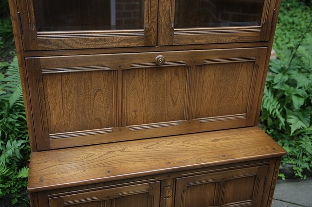 Image 35 of ERCOL GOLDEN DAWN DRINKS DISPLAY CABINET BOOKCASE CUPBOARD.