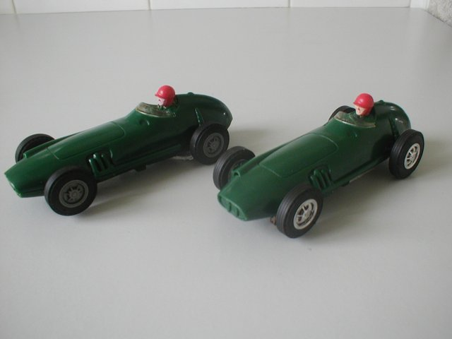 Preview of the first image of Lionel/Scalextric USA issue 1.32 Slot Cars from early 1960's.