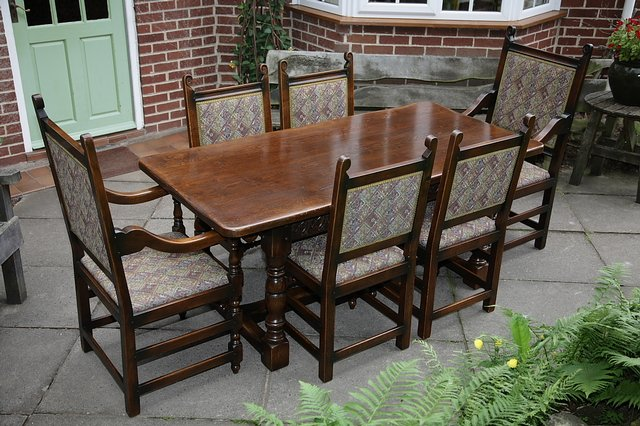 Titchmarsh Amp Goodwin Style Oak Dining Table Amp Six Chairs