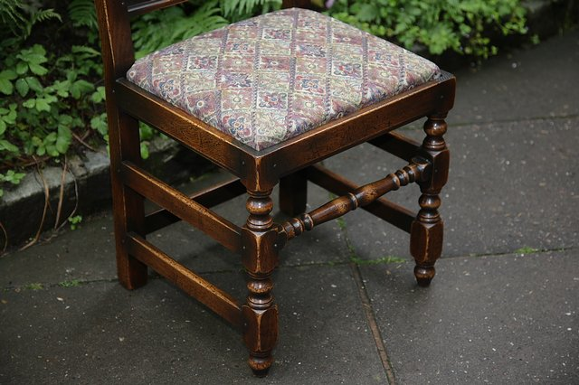 Image 12 of TITCHMARSH & GOODWIN STYLE OAK DINING TABLE & SIX CHAIRS