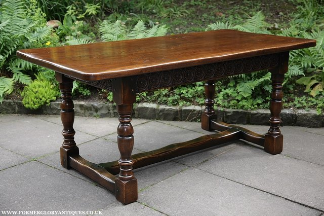 Image 15 of TITCHMARSH & GOODWIN STYLE OAK DINING TABLE & SIX CHAIRS