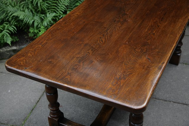 Image 16 of TITCHMARSH & GOODWIN STYLE OAK DINING TABLE & SIX CHAIRS
