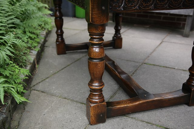 Image 17 of TITCHMARSH & GOODWIN STYLE OAK DINING TABLE & SIX CHAIRS