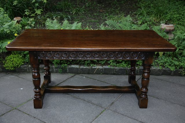 Image 22 of TITCHMARSH & GOODWIN STYLE OAK DINING TABLE & SIX CHAIRS