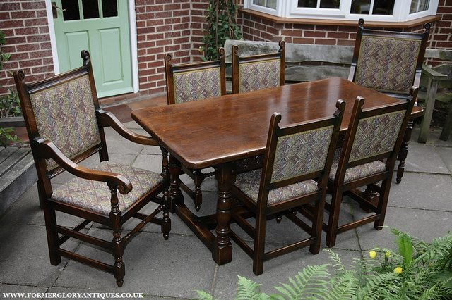 Image 32 of TITCHMARSH & GOODWIN STYLE OAK DINING TABLE & SIX CHAIRS