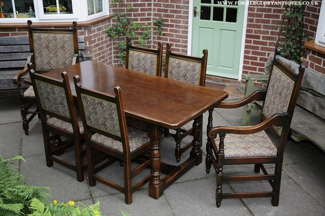 Image 38 of TITCHMARSH & GOODWIN STYLE OAK DINING TABLE & SIX CHAIRS