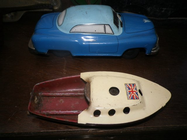 Image 2 of 1950's/1960's JAPANESE TINPLATE CAR