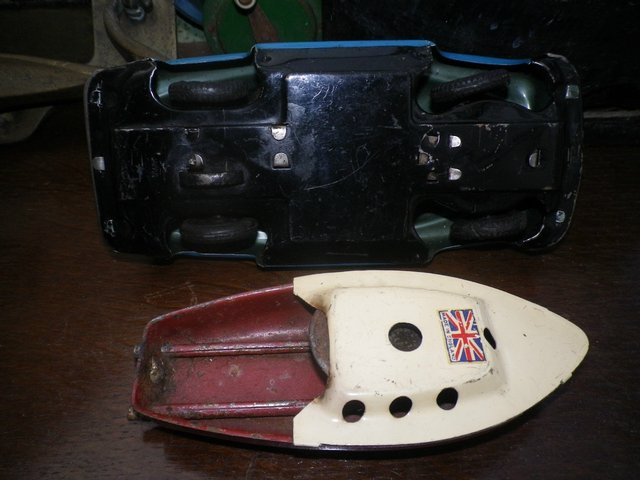 Image 2 of 1950's/1960's TINPLATE CAR