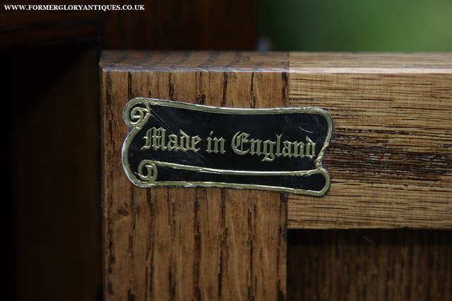 Image 25 of OLD CHARM OAK CABINET LAMP HALL TABLE CUPBOARD SIDEBOARD