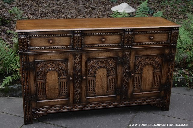 Image 3 of TITCHMARSH AND GOODWIN STYLE OAK SIDEBOARD DRESSER BASE