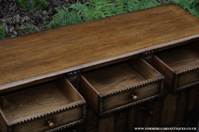 Image 4 of TITCHMARSH AND GOODWIN STYLE OAK SIDEBOARD DRESSER BASE