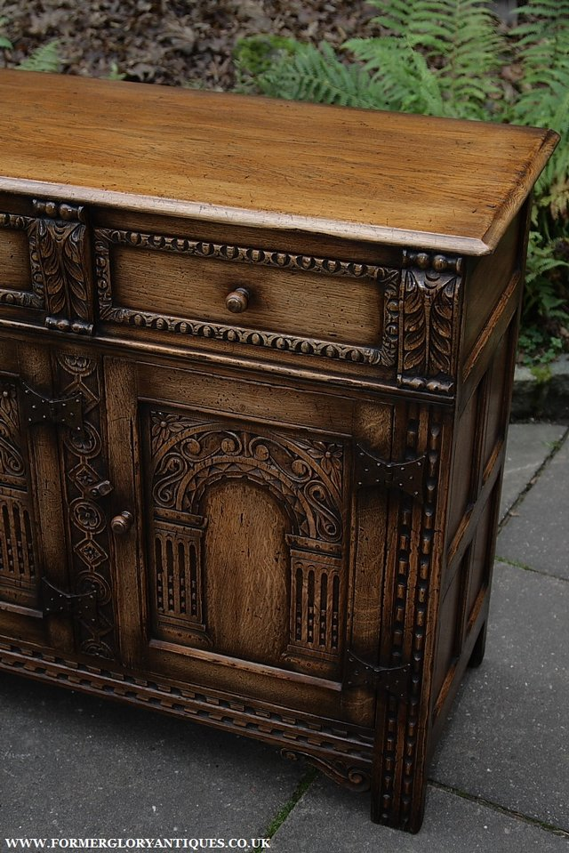 Image 6 of TITCHMARSH AND GOODWIN STYLE OAK SIDEBOARD DRESSER BASE