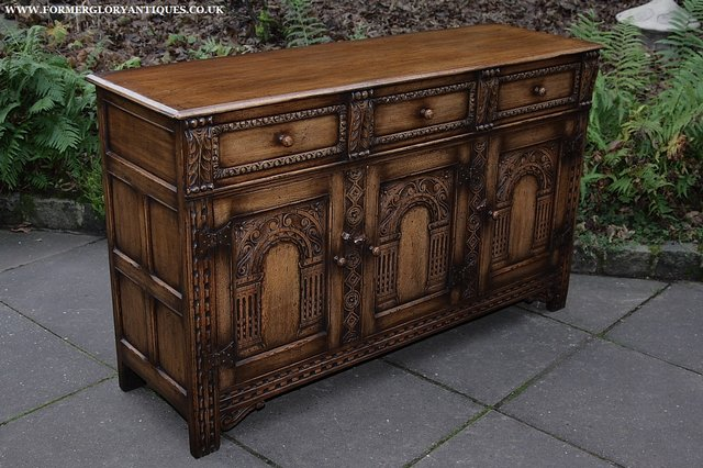 Image 11 of TITCHMARSH AND GOODWIN STYLE OAK SIDEBOARD DRESSER BASE