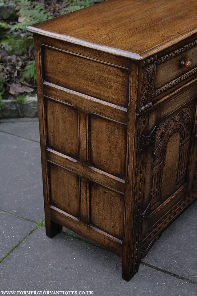 Image 12 of TITCHMARSH AND GOODWIN STYLE OAK SIDEBOARD DRESSER BASE