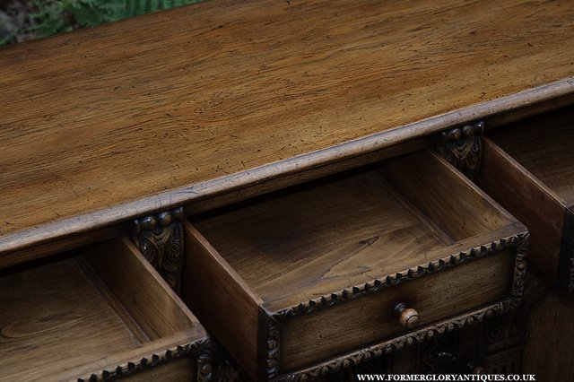 Image 15 of TITCHMARSH AND GOODWIN STYLE OAK SIDEBOARD DRESSER BASE
