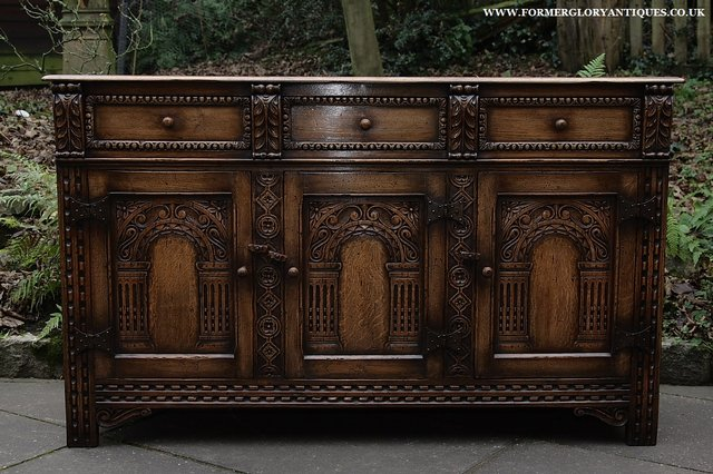 Image 16 of TITCHMARSH AND GOODWIN STYLE OAK SIDEBOARD DRESSER BASE