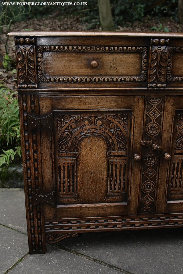 Image 17 of TITCHMARSH AND GOODWIN STYLE OAK SIDEBOARD DRESSER BASE