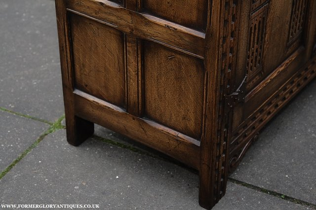 Image 21 of TITCHMARSH AND GOODWIN STYLE OAK SIDEBOARD DRESSER BASE
