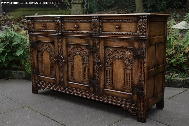 Image 24 of TITCHMARSH AND GOODWIN STYLE OAK SIDEBOARD DRESSER BASE