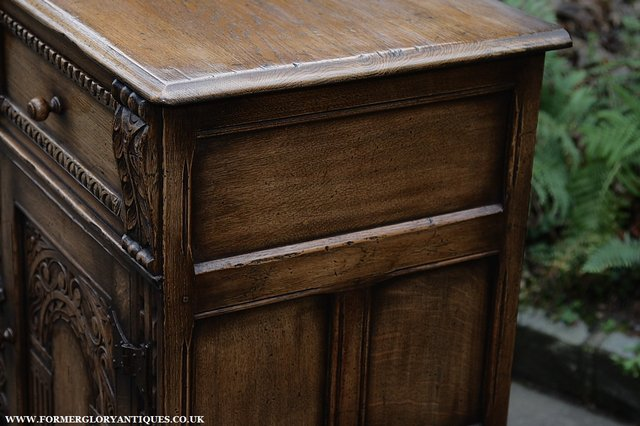 Image 41 of TITCHMARSH AND GOODWIN STYLE OAK SIDEBOARD DRESSER BASE