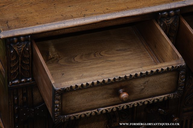Image 43 of TITCHMARSH AND GOODWIN STYLE OAK SIDEBOARD DRESSER BASE