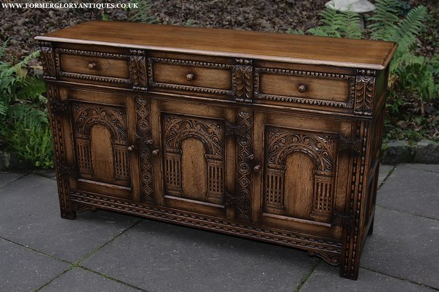 Image 49 of TITCHMARSH AND GOODWIN STYLE OAK SIDEBOARD DRESSER BASE