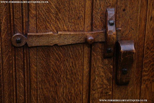 Image 29 of NIGEL GRIFFITHS SOLID OAK DRESSER BASE SIDEBOARD CABINET